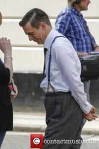 jack-davenport-breathless-filming-central-london_3644183