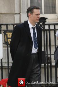 jack-davenport-breathless-filming-central-london_3644193